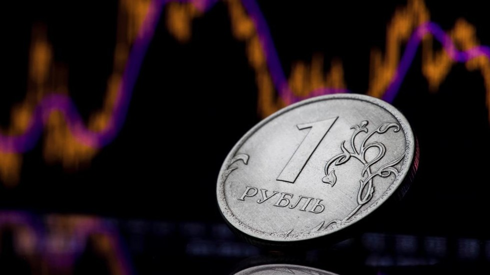 Ruble flexes its muscle after Moody's lifts Russia's rating to investment grade