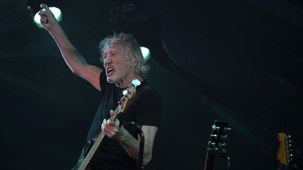 'Julian's situation is dire': Roger Waters issues rallying cry for Assange asylum in Australia