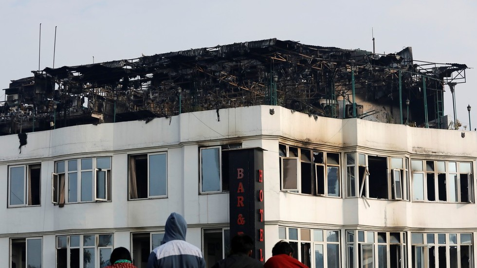 17 killed as fire hits hotel in New Delhi (PHOTOS, VIDEOS)
