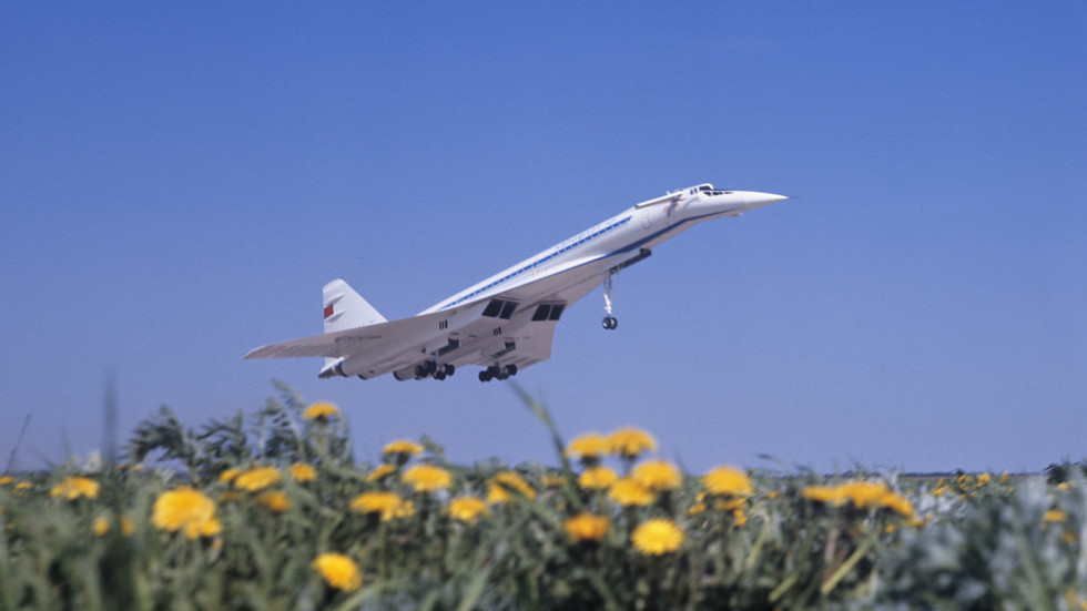 Blast from the past: Putin wants Russian civilian air travel to go supersonic once again