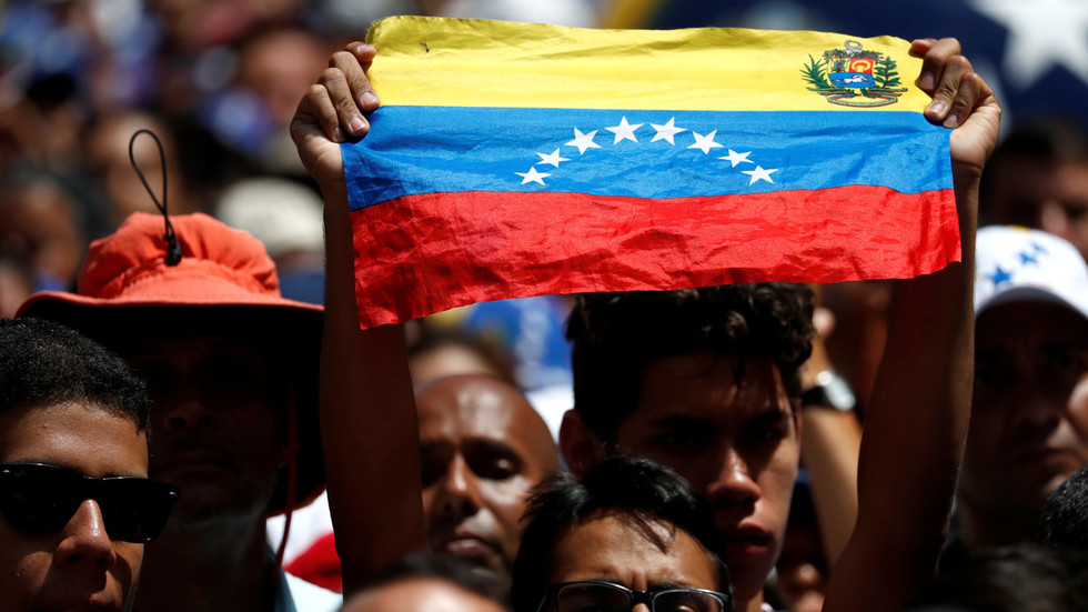 Hands off 'our hemisphere' or Venezuela pays the price: US Senator warns Russia