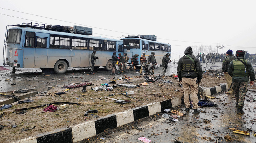 India to 'isolate' Pakistan after suicide car bomb attack on police convoy kills 44
