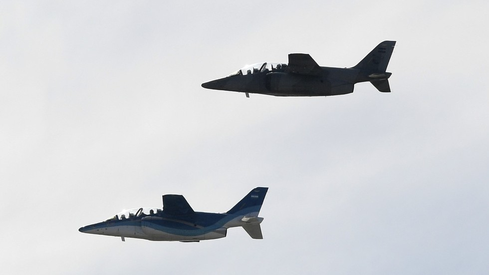 Plane and simple: Argentina to give Bolivia a jet if it needs more natural gas