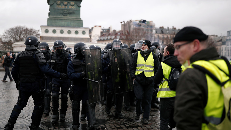 'We became guardians of law': French govt 'exploits' police, union head says after protest violence