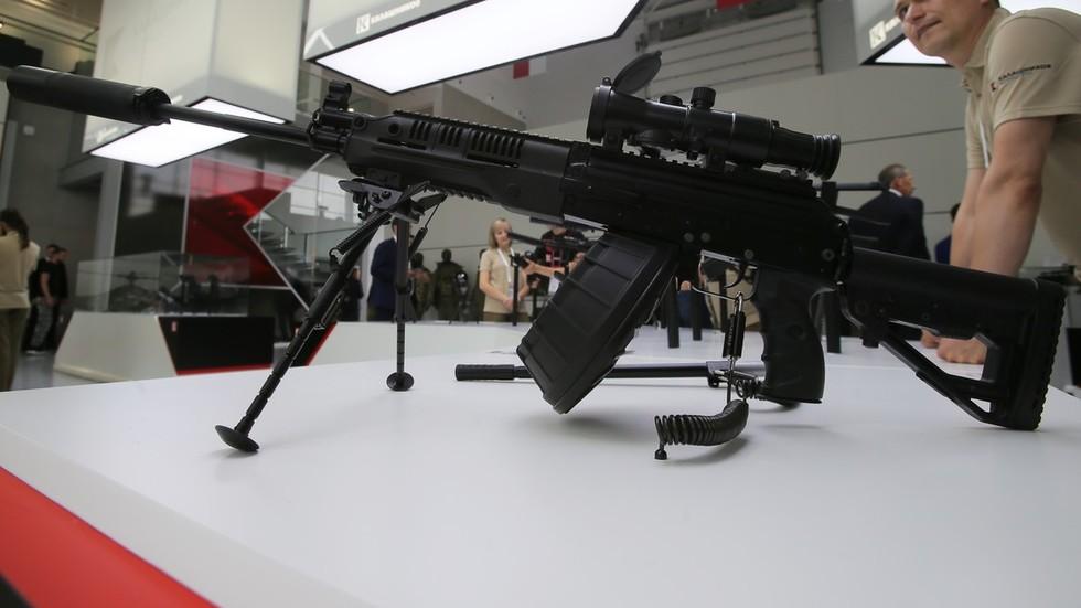 New Russian light machine gun born from iconic Kalashnikov ...