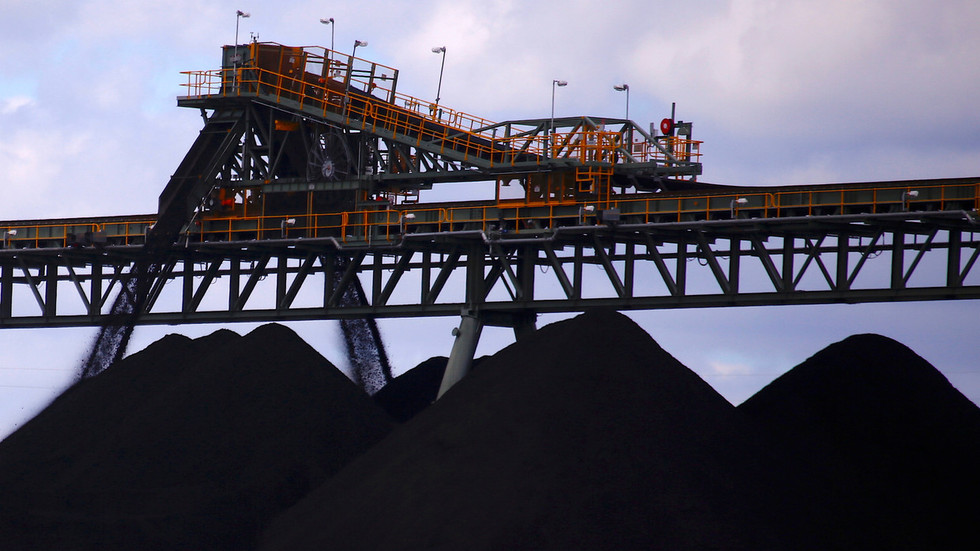 China denies banning Australian coal, says imports continue as normal