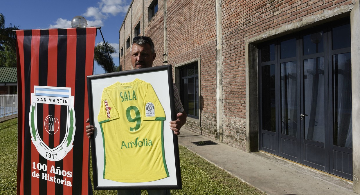 Emiliano Sala's funeral in Argentina: Cardiff City footballer mourned