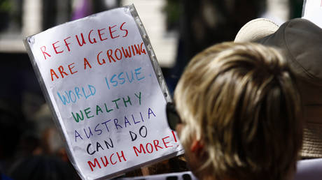Australia to reopen notorious migrant detention center after govt. fails to block medevac bill