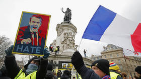 Everyone but himself: Macron blames social media & Russia for Yellow Vests
