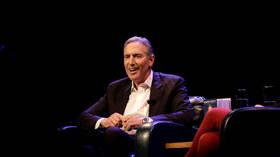 Howard Schultz (net worth $3.4bn) wants people to stop using the word 'billionaire'