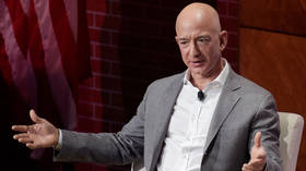 Jeff Bezos accuses National Enquirer of blackmailing him with 'nude selfies & d*ck pic'