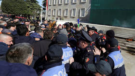 Chaotic scenes in Albania as opposition attempts to storm PM's residence (VIDEO)