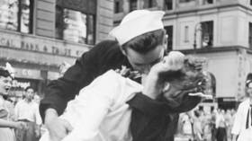 Sailor who kissed woman in iconic Times Square photo dies at 95