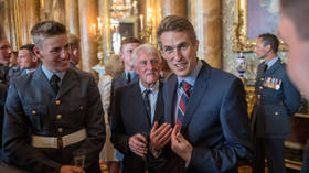 Gavin Williamson gets dressing down from Chancellor Hammond over China warship row