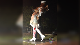 #MeToo or too much? RT panelists DEBATE vandalism of statue commemorating iconic WWII kiss