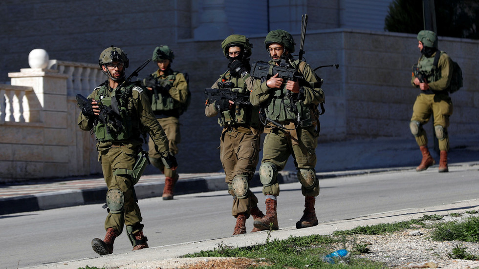 Car runs over Israeli soldiers in West Bank, 3 attackers shot – IDF