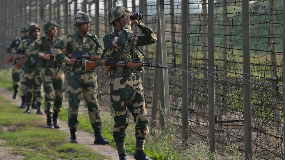 Kashmir flare-up continues: India reports 'heavy' shelling, Pakistan vows to fend off 'aggression'