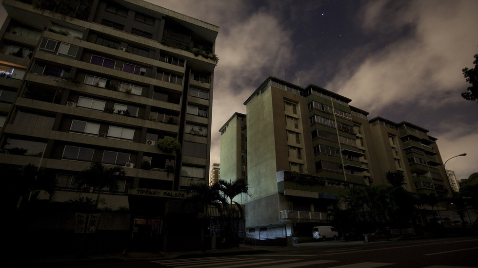 China offers help to Venezuela to restore power amid nationwide blackout