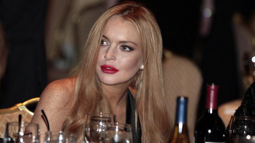 'F**k this s**t': Russkies hacked Instagram & Facebook? Lindsay Lohan is furious ... in Russian!
