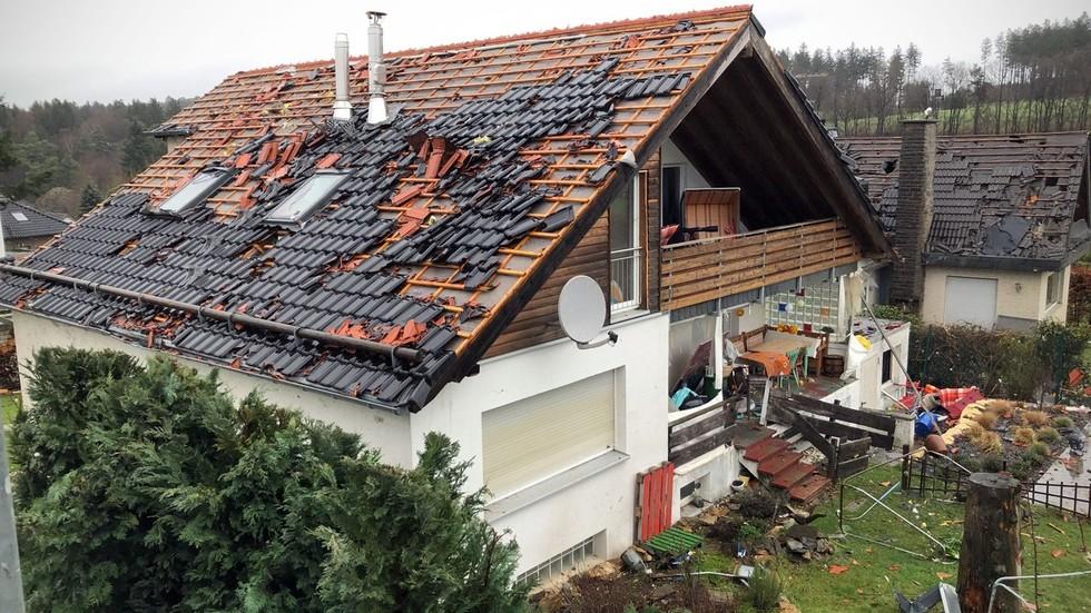 German town hit by rare 'violent' tornado (PHOTOS, VIDEOS)