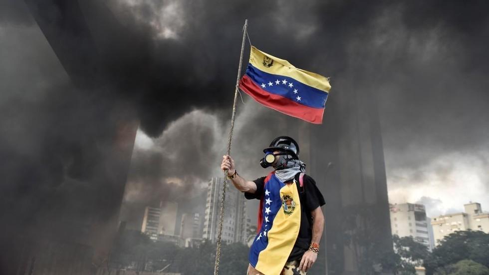 Venezuela electricity crisis may 'challenge' global oil market – IEA