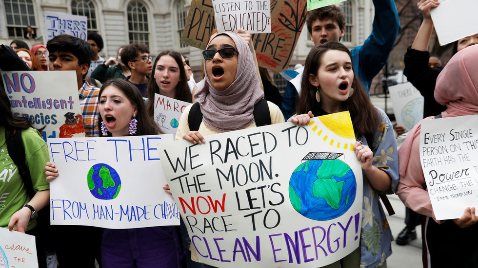 Youth protest climate change in worldwide school strike (VIDEOS)