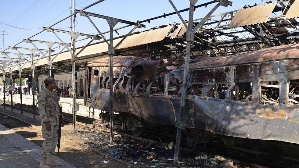 4 killed in train blast in Pakistan's Baluchistan province - police