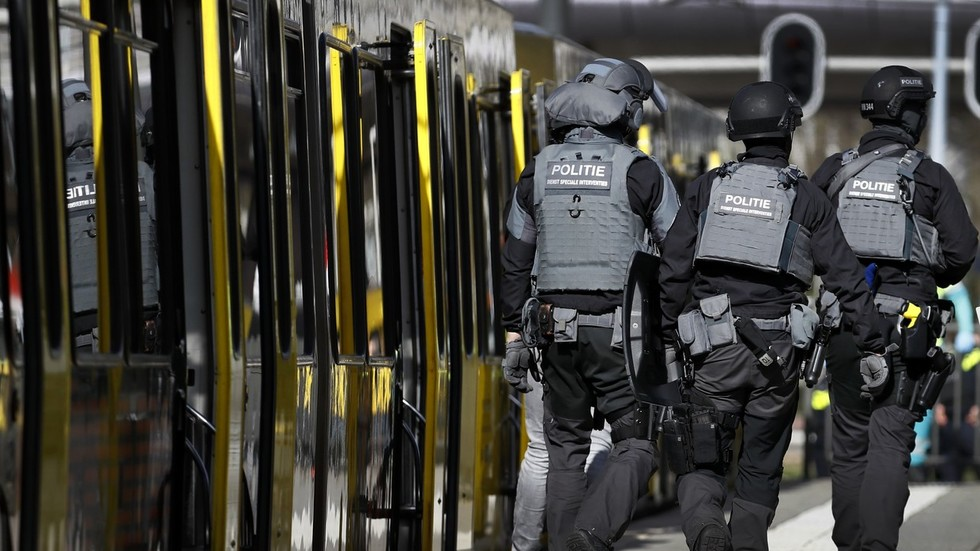Shooting 'appears to be terrorist attack', Utrecht threat level now highest - counter-terror agency