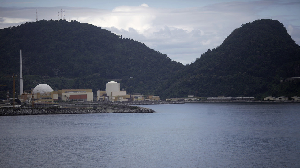 Armed gang raids convoy carrying uranium fuel to Brazil nuclear plant