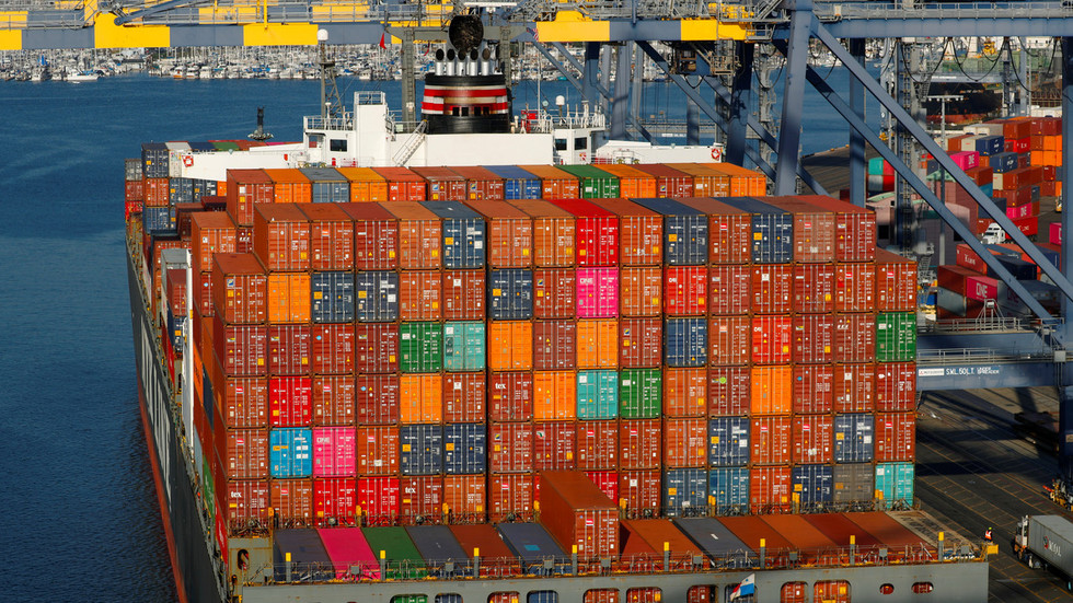 Escalation of US-China bilateral tariffs to shave off $1 trillion from America's GDP