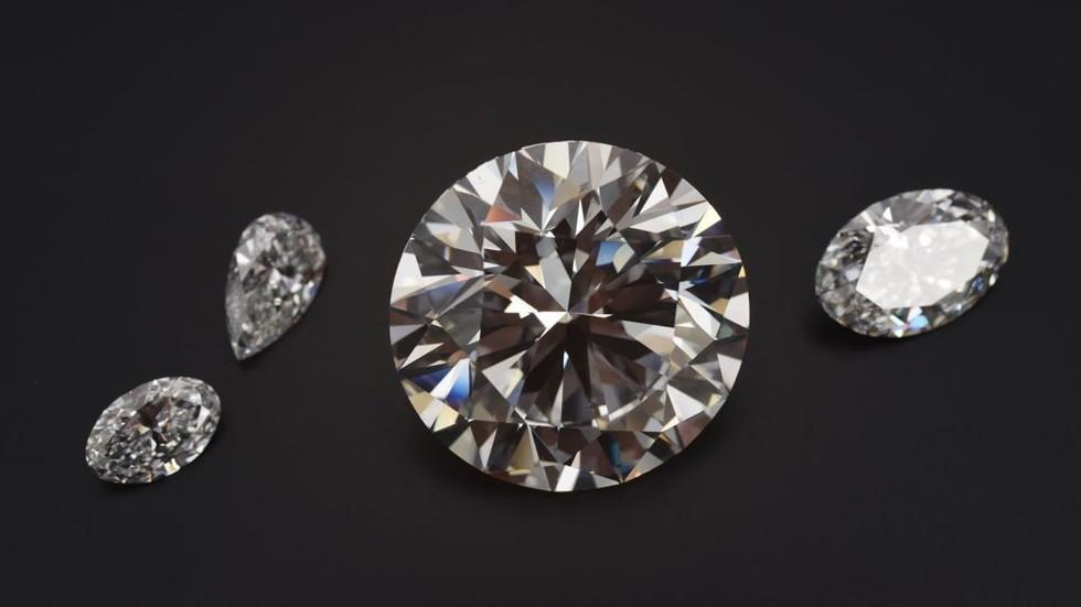 Russian diamonds fetch millions in Hong Kong