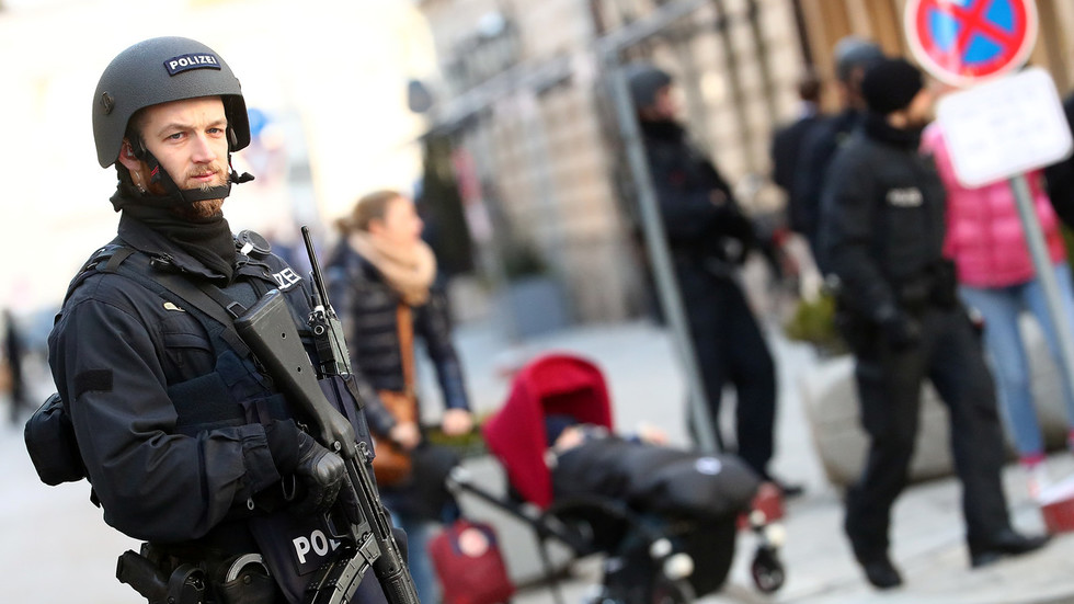 11 held in Germany over suspected Islamist attack plan to use car & guns to kill as many as possible