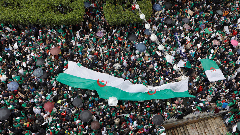 Algerian army calls for President Bouteflika to be declared unfit to rule after weeks of protests