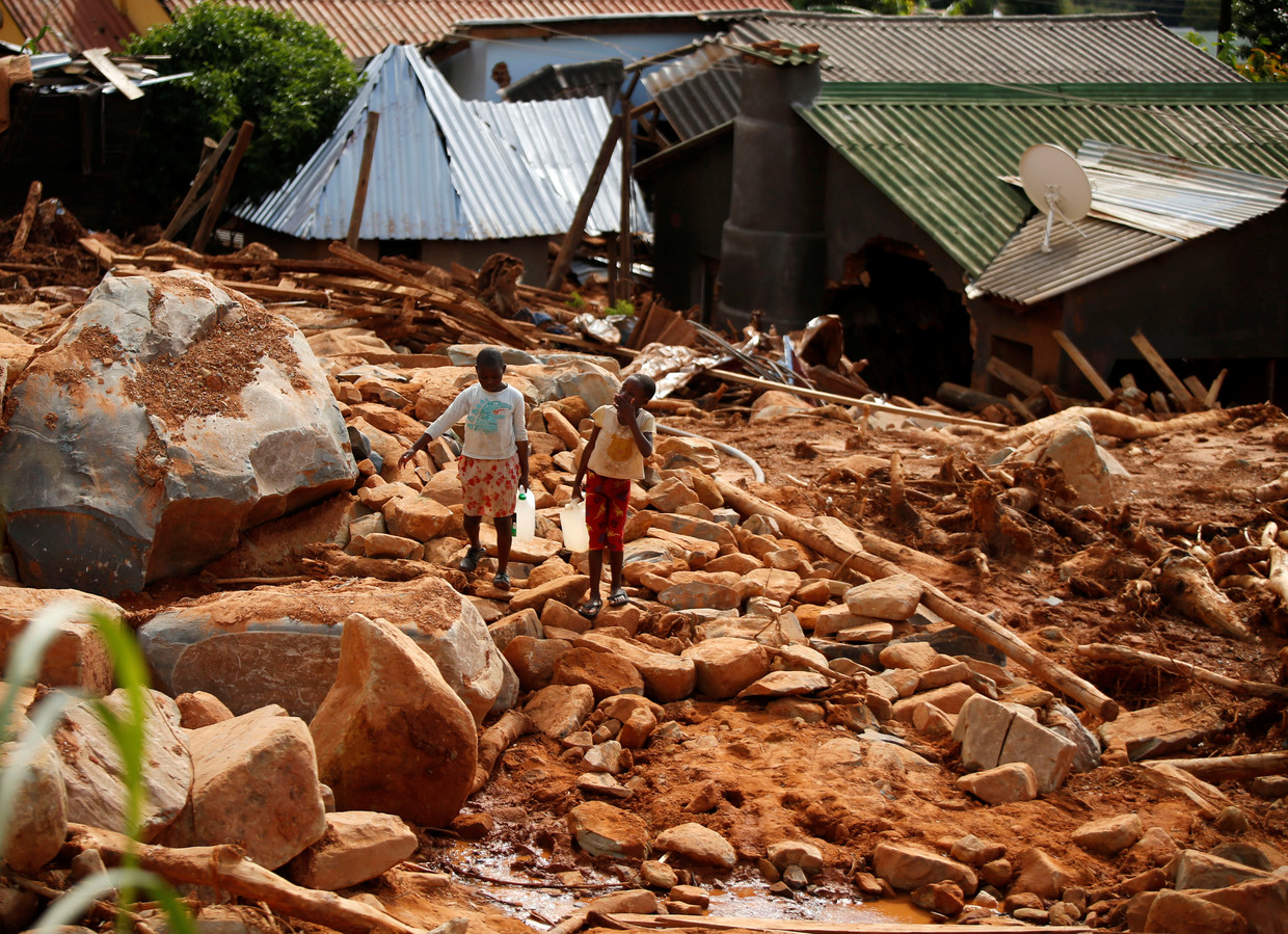 Hundreds of thousands homeless after cyclone in southern Africa