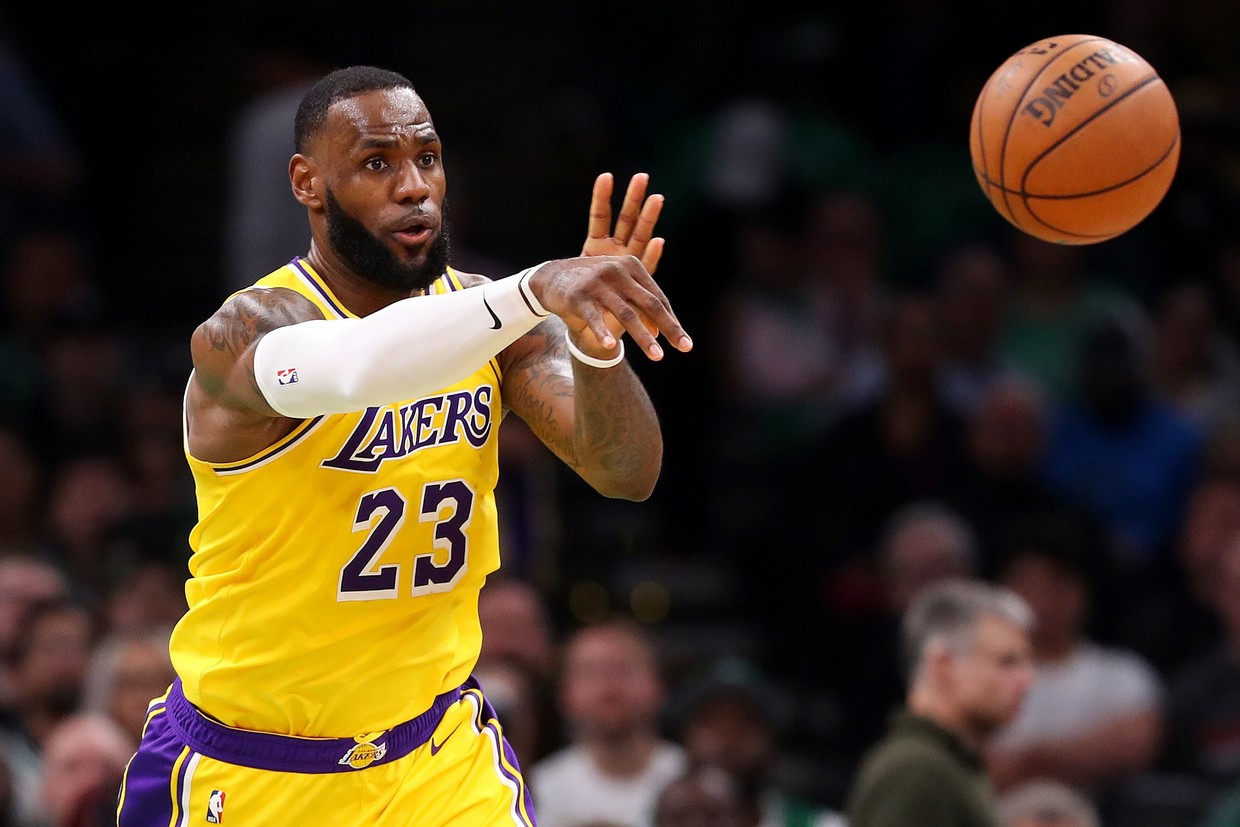 James, Lakers look ahead after Tinseltown debut ends without playoff berth