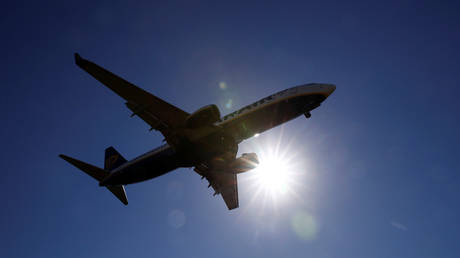 Boeing 737-800 makes emergency landing in Northern Russia, reports of engine failure
