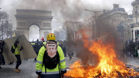 France to ban Yellow Vest protests in 'worst hit' areas if radicals spotted – French PM