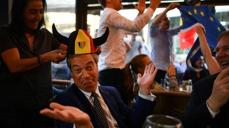 'Russian collusion': Farage mocks 'cancel Brexit' petition with signatures from Russia