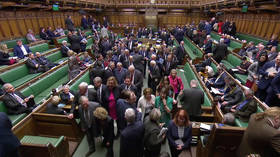 British MPs vote in favor of ruling out a 'no-deal' Brexit (VIDEOS)