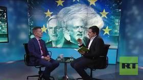 Slavoj Žižek: US establishment desperate to arrest Assange after Manning imprisoned (E725)