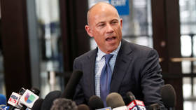 FILE PHOTO: Attorney Michael Avenatti speaks in Chicago © Reuters / Kamil Krzaczynski