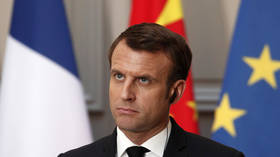Macron divides Yellow Vest protesters into goodies & baddies during school visit