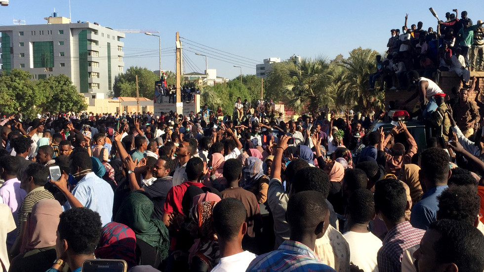 Sudan gripped by total blackout amid massive protests
