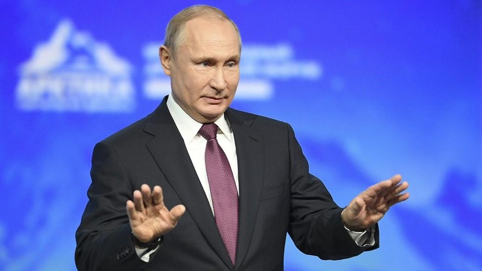 Putin talks Mueller probe,...