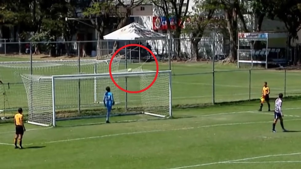 '¡Increíble!': Mexican Teenager Scores One Of The