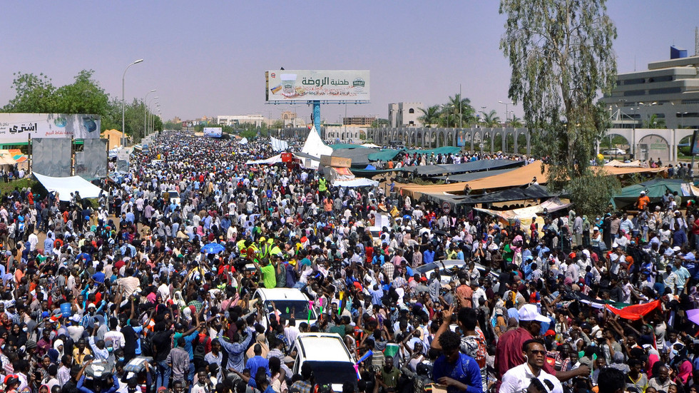 Sudanese President al-Bashir relieved of duty after 30yrs in power as protests spiral – reports