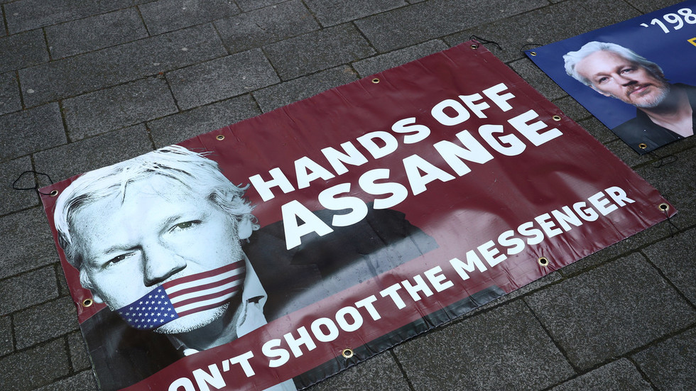 UN human rights expert to visit Assange in privacy violations probe