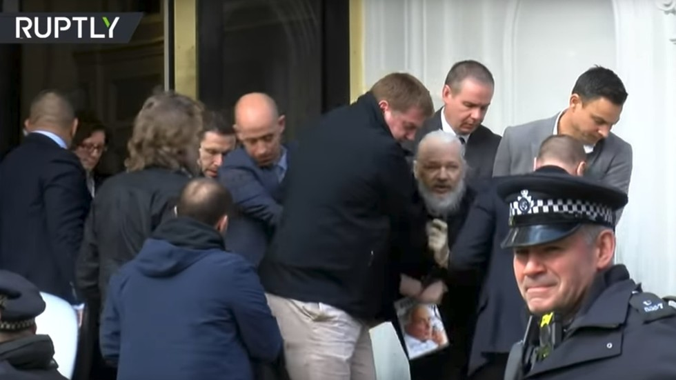 Russian news agency's Assange money-shot scoop leads to insinuation and conspiracy