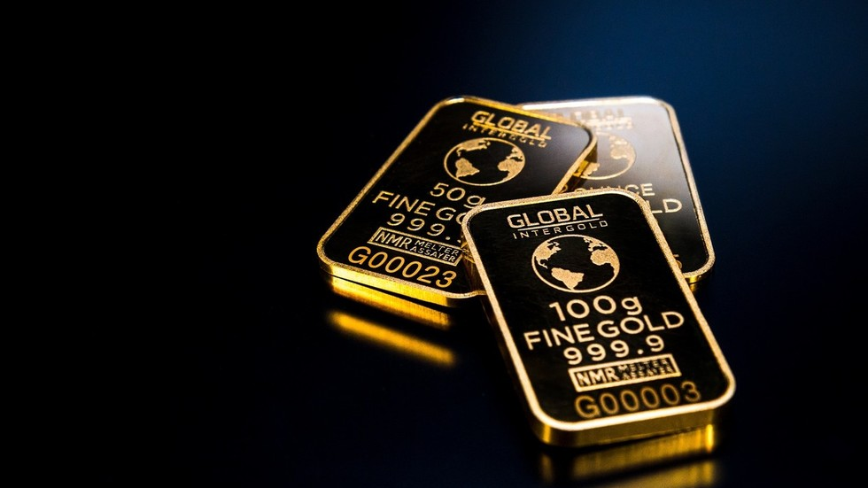 Thousand ton twist: Gold buying frenzy by global central banks to push bullion prices higher
