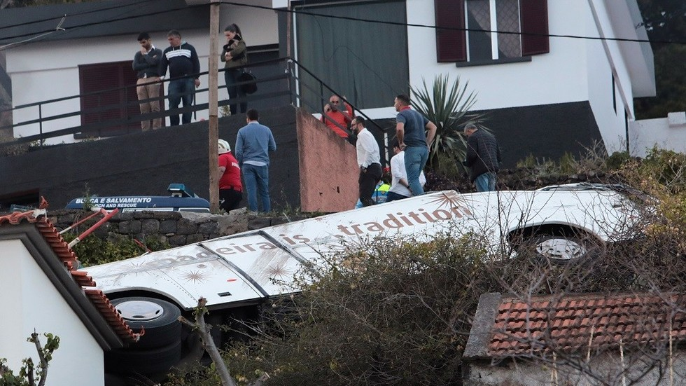 28 dead after tourist bus plunges off road in Madeira (PHOTO,VIDEO)